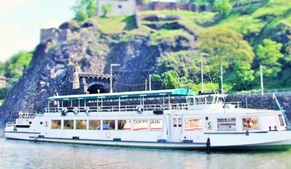 Silvestr Praha na lodi